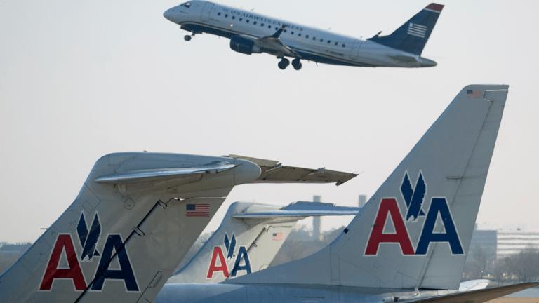American, Delta Shares Lower After Deutsche Bank Analyst Downgrades