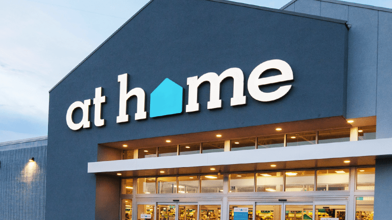 At Home Slides Amid Negative Same-Store Sales Outlook