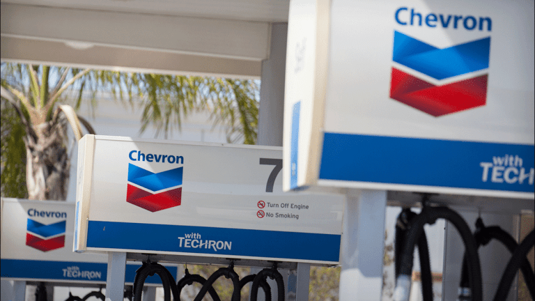 Chevron Shares Rise on Barclays Overweight Rating