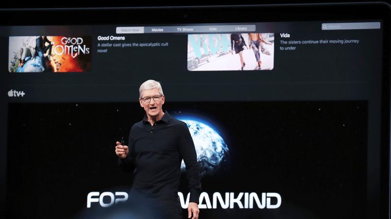 Apple Shares Gain as CEO Cook Dismisses China Retaliation, US Regulatory Risks