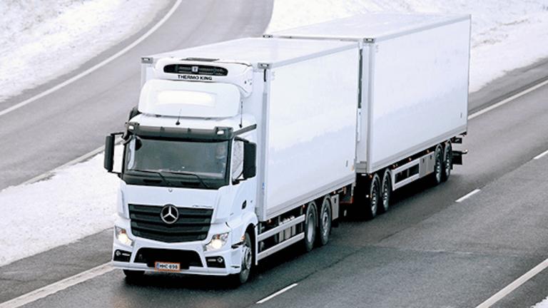Mercedes' Parent Daimler Pushing Into Autonomous Semi Trucks