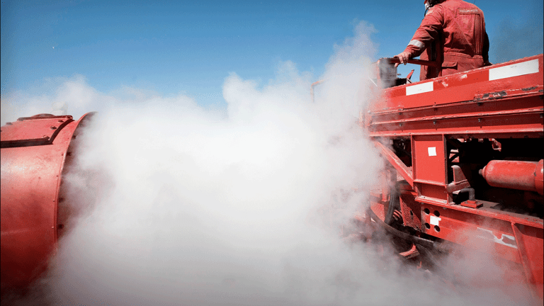What Investors Need to Know About Oil, Halliburton and Earnings