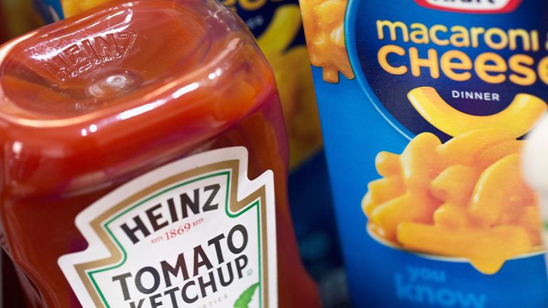 Kraft Heinz Slips After Downgrade to Hold at Deutsche Bank