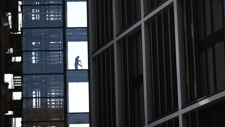 Despite Slowdown, U.S. Economy Keeps Adding Jobs and Pushing Up Wages