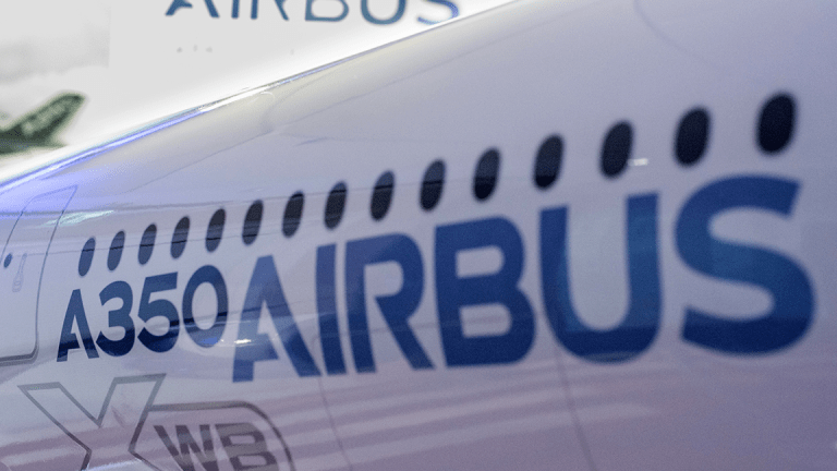 Airbus to Place Beds in Cargo Holds for Passengers on Long Flights