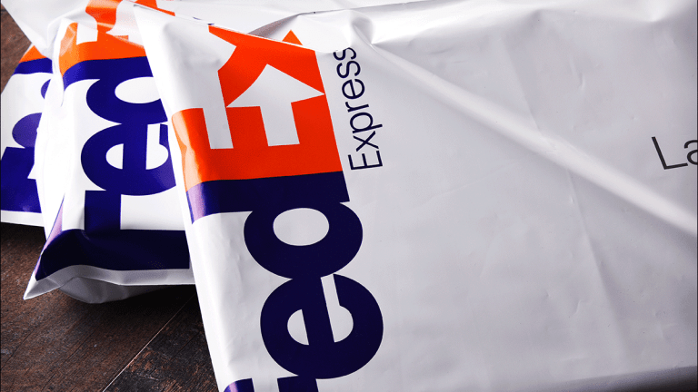FedEx Receives Downgrade at Bernstein, Price Target Set at $153