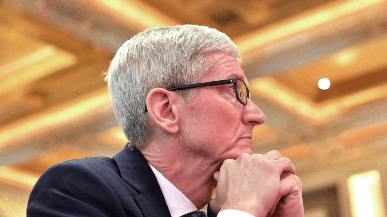 Apple's Risks From a U.S.-China Trade War Are Rising: Analyst