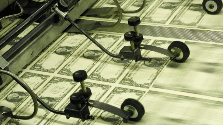 U.S. Dollar Hits Nearly 7-Week High on Renewed Likelihood of Interest Rate Hikes