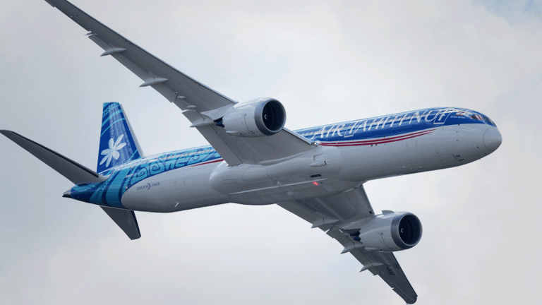 Boeing Reports Drop in Second-Quarter Deliveries Amid Grounding of MAX Jets