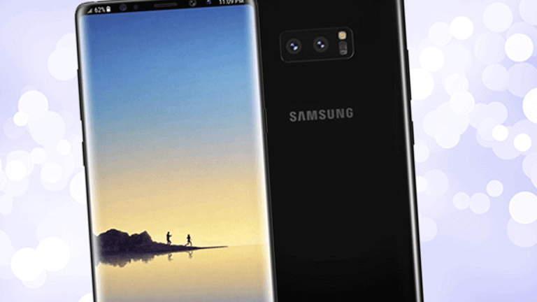Samsung's Galaxy S9 Looks Good, But Leaves the Door Open for Google