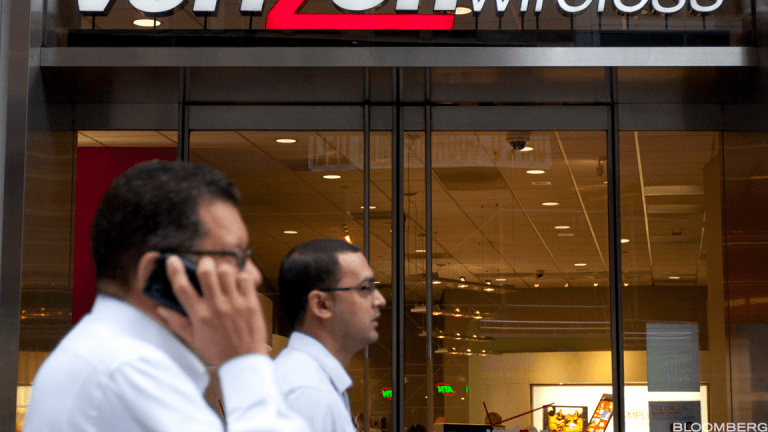 Verizon Misses Earnings Estimates but Postpaid Subscriber Growth Impresses