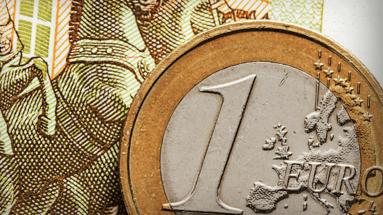 Euro Hits 3-Year High After Breakthrough in German Coalition Government Talks