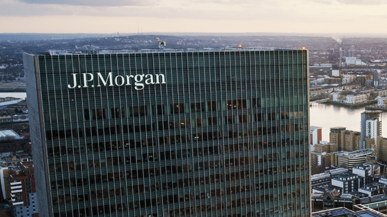 JPMorgan Will Give 22,000 People a 10% Raise With Its Tax Law Windfall