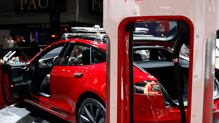Tesla Slumps Following Elon Musk's Model Y Comments and Earnings Call Theatrics
