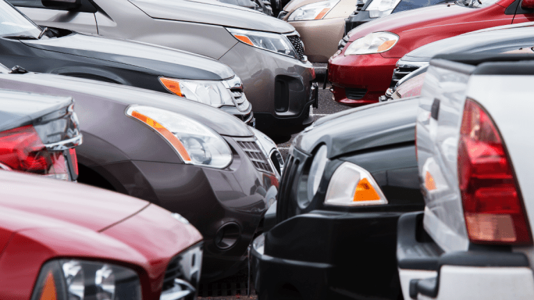 Auto Sales Slow in China, U.S.; Global Decline Seen on Trade Tensions