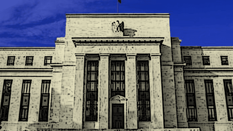 Fed Official Slams 'Volcker Rule' That Bars Banks From Risky Bets