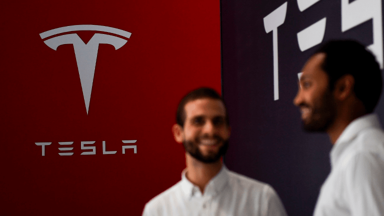 Tesla Analyst Musk Insulted Months Ago, Then Apologized Too, Now More Bullish