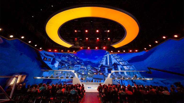 Overwatch League Woos E-Sports Fanatics in Inaugural Showdown
