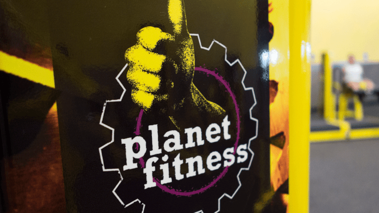 Planet Fitness: A 'Pants Don't Fit' Holiday Stock Trade