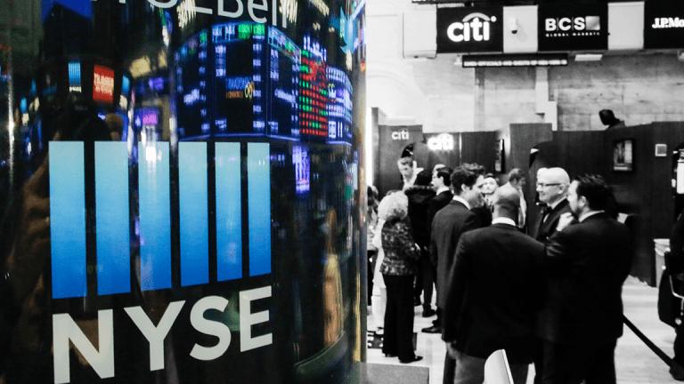 Global Stocks Slide as Apple Sours Tech; Dollar Drifts Ahead of US Housing Data