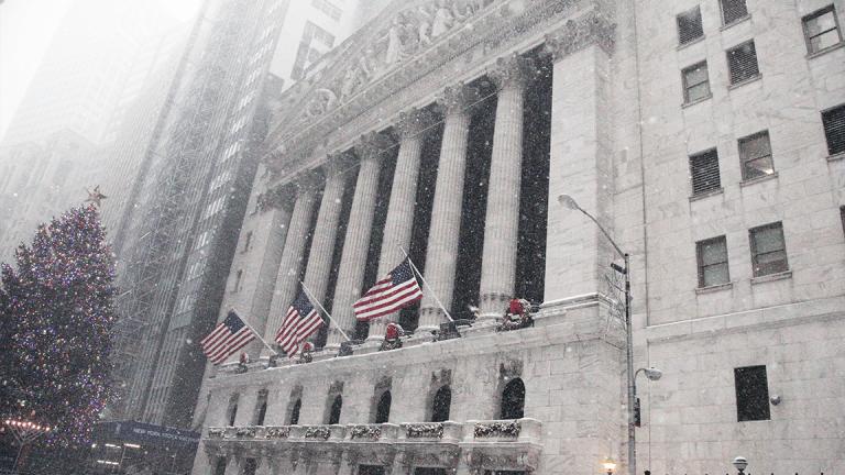 Stocks Rebound Despite Financial Sector Weakness
