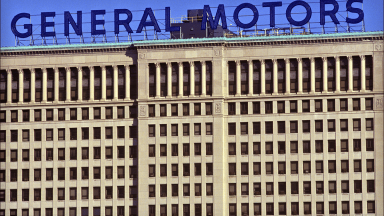 GM Launches Legal Assault on Rival Fiat Chrysler