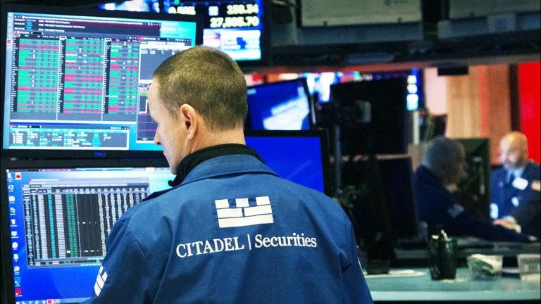 Dow Futures Slide, Global Stocks Sputter as Trump Renews China Tariff Threat