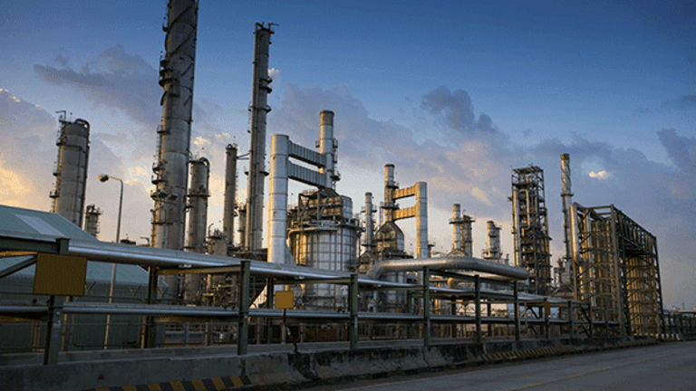 Imperial Oil's Shares Are a Hold, With Upside Potential Up to 15%