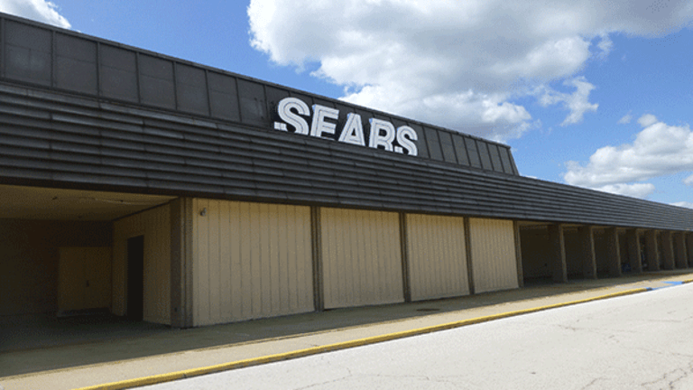 Sears Is Facing a Colossal Problem That Might Ignite a Bear Raid