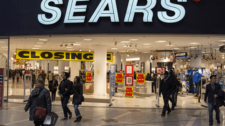 Sears Improves Liquidity, Hints at Disastrous Holiday Season