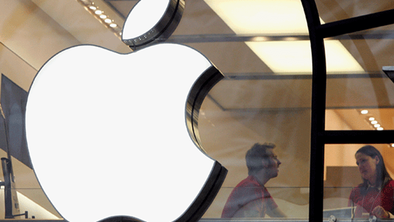 Apple Seems to Be Going 'Cautiously' Into Original Content, Top Analyst Says