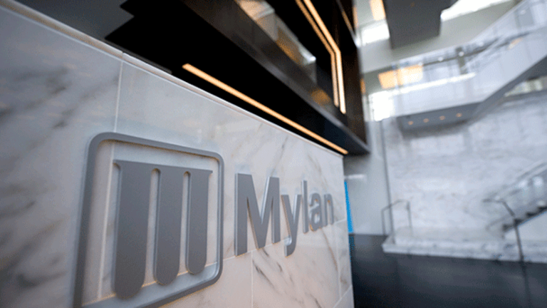 Mylan (MYL) CEO Bresch Will Have to Explain EpiPen Profits, WSJ's Baker Says