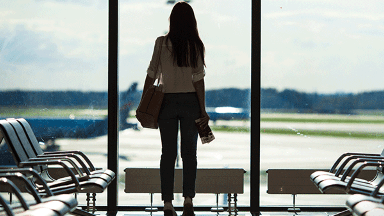Want a Cheaper Flight? 5 of the Best Travel Planning Apps