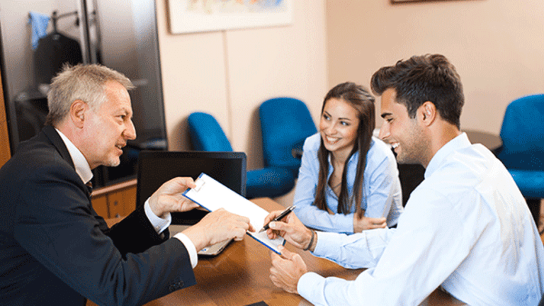 If Your Financial Adviser Leaves These Are the Must-Know Steps to Take