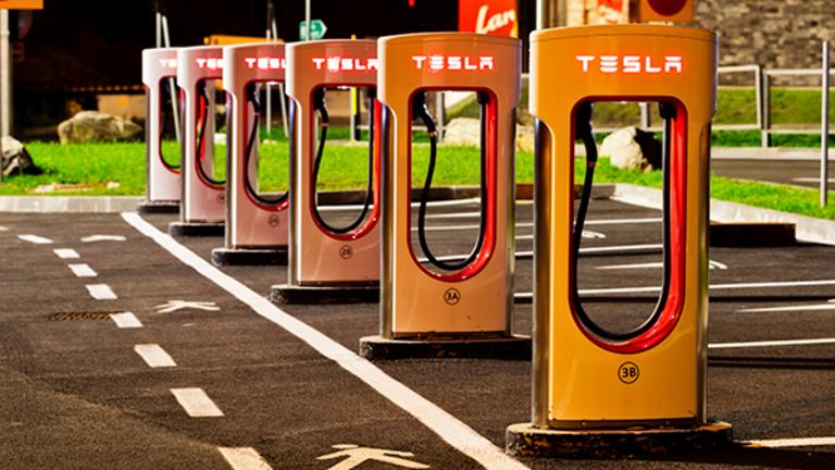 Shareholders Back Tesla Motors, SolarCity Deal