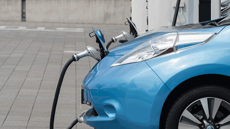 Ford and German Automakers Plan European Fast-Charging Network for Electric Vehicles