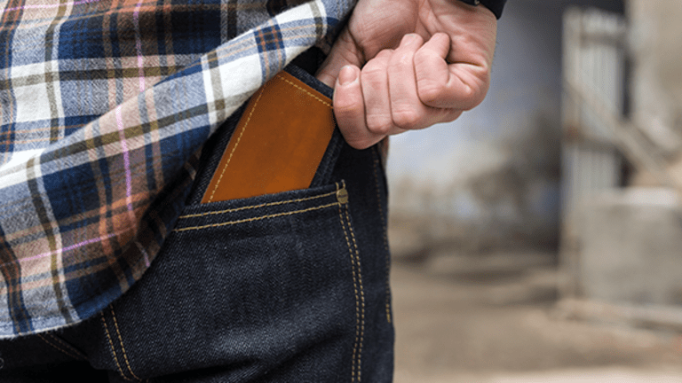 10 Skinny Wallets to Help You Forget You Spent All Your Money on Amazon's Prime Day
