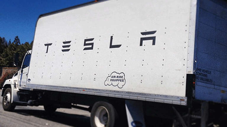 Tesla's Massive New Electric Big Rig Might Eventually Be Hauling Your Furniture
