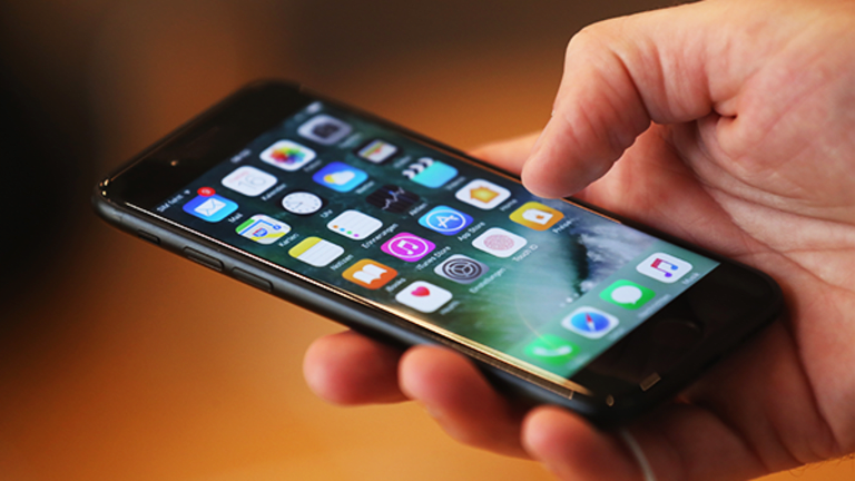 Apple Issues Critical Update to Thwart 'Potentially Serious' Hacking Threat