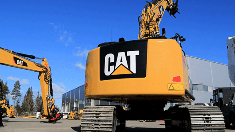 This Analyst Says You Should Dump Caterpillar's Scorching Hot Stock