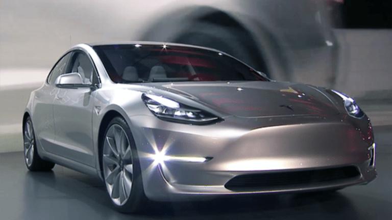 Tesla Shortsellers Have Goldman Sachs on Their Side