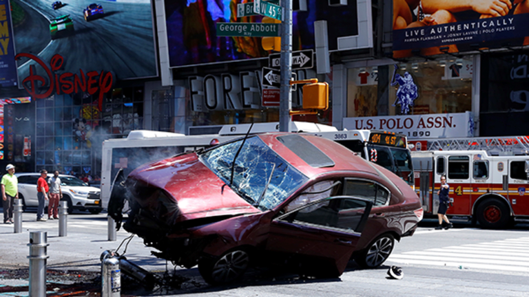 1 Dead, At Least 22 Inured as Vehicle Strikes Pedestrians in Times Square, Terrorism Not Suspected