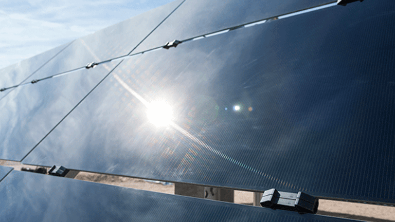 First Solar's Sale of 8point3 May Come at a Discount