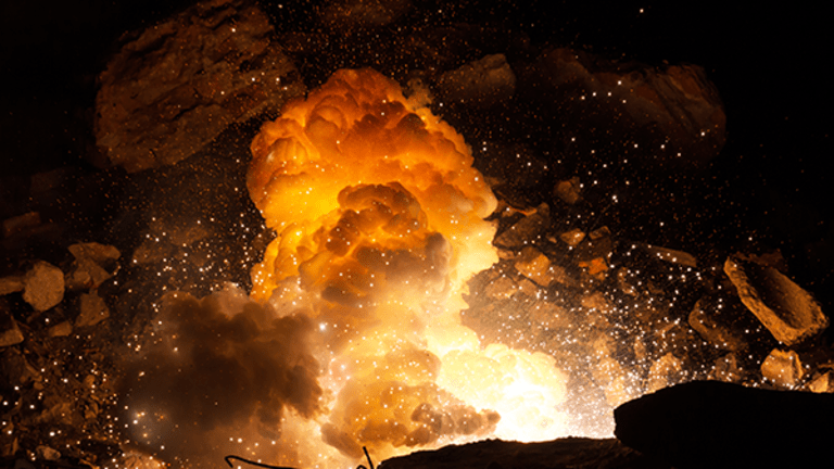 Apple Eats Pigs, Advanced Micro Devices Is Explosive -- 3 Hot Stories Before the Close