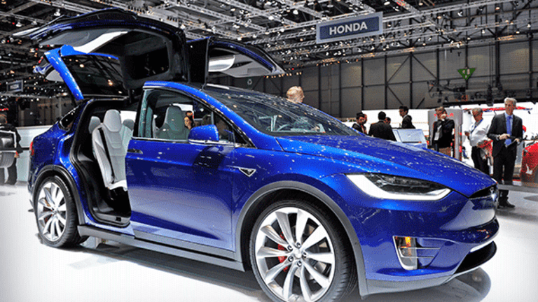 Even In a Serious Crash With Tesla's SUV You Will Probably Come Out Alive, Says New Study