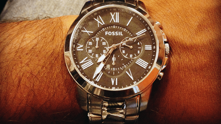 Fossil Isn't Dead Just Yet, Analyst Contends
