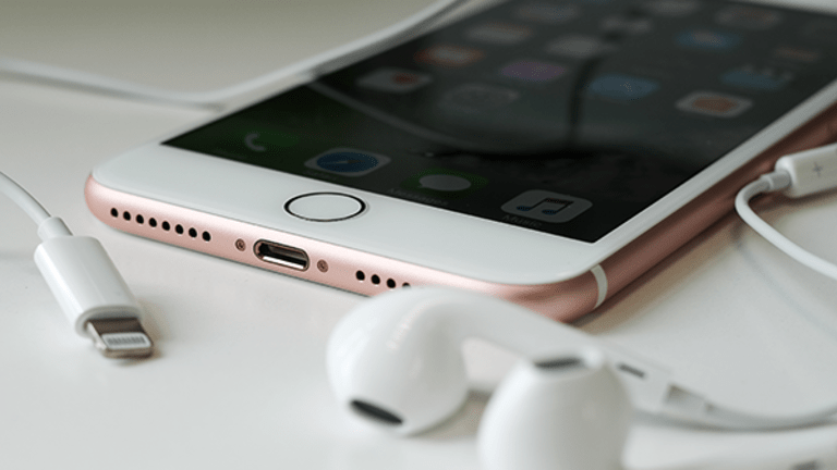 Here's Why Apple Can Charge $1,000 (or More) for the New iPhone