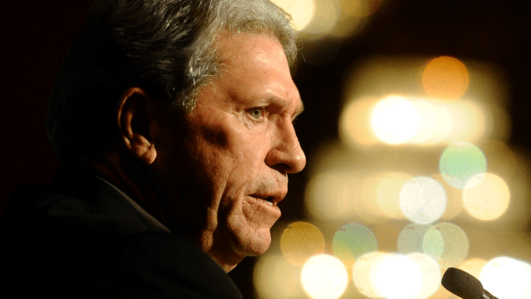 CSX Stock Sinks After CEO Hunter Harrison Takes Medical Leave