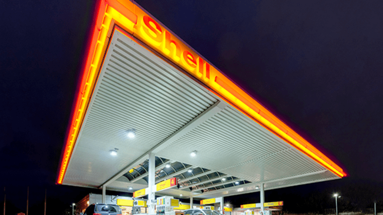 Why Consumers Should Get Ready to See Another Gas Price Plunge