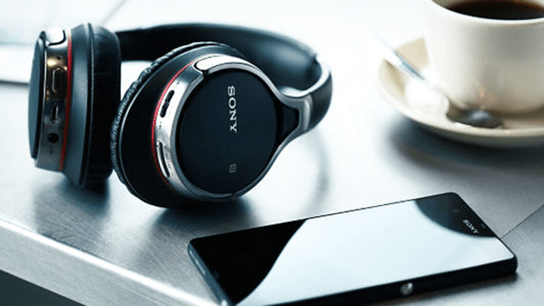 Sony Goes After Apple AirPods With Wireless Earphone